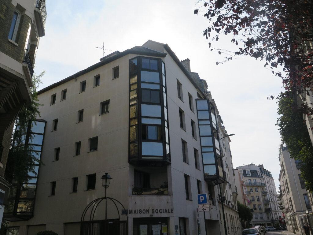 Appartement à louer 3 63m2 à Nogent-sur-Marne vignette-1