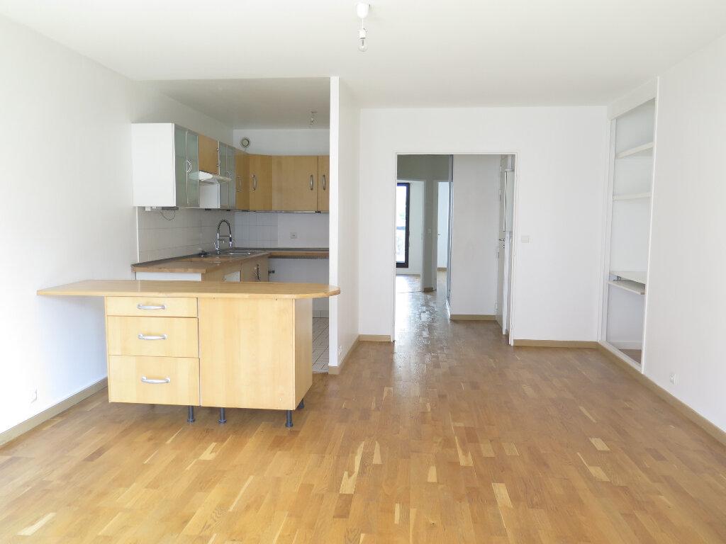 Appartement à louer 3 63m2 à Nogent-sur-Marne vignette-2