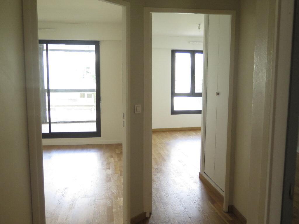 Appartement à louer 3 63m2 à Nogent-sur-Marne vignette-3
