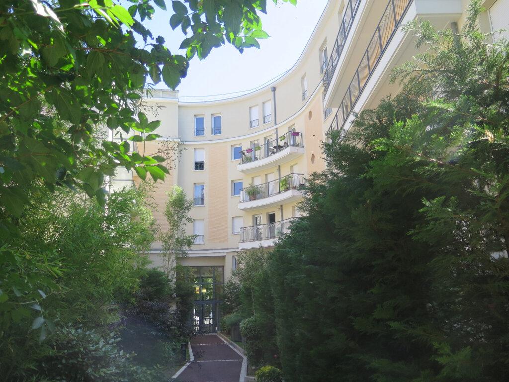Appartement à louer 2 39.2m2 à Nogent-sur-Marne vignette-1