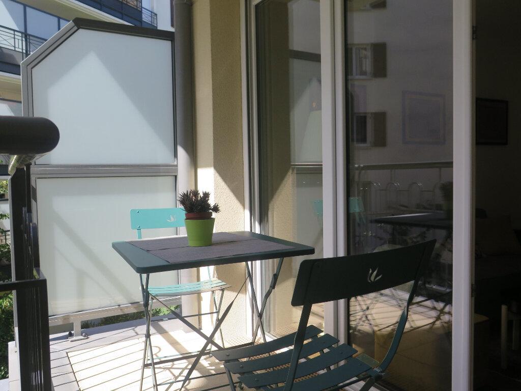 Appartement à louer 2 39.2m2 à Nogent-sur-Marne vignette-10