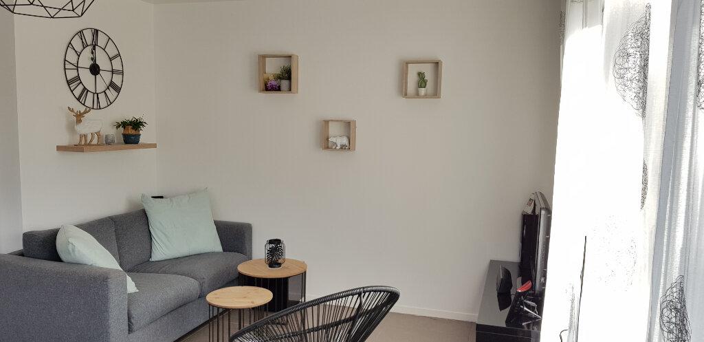 Appartement à vendre 4 79.4m2 à Le Plessis-Trévise vignette-3