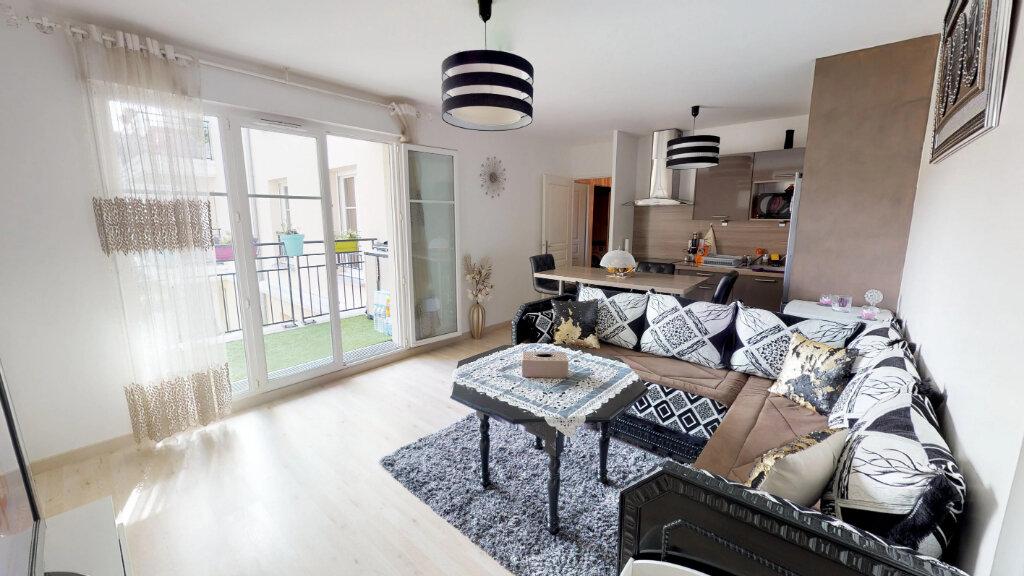 Appartement à vendre 2 44.82m2 à Le Plessis-Trévise vignette-1