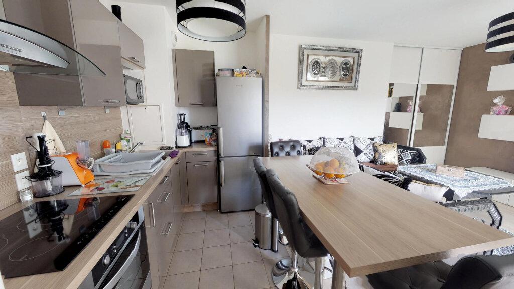 Appartement à vendre 2 44.82m2 à Le Plessis-Trévise vignette-2
