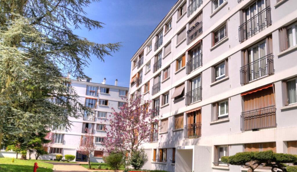 Appartement à vendre 2 47m2 à Le Plessis-Trévise vignette-2
