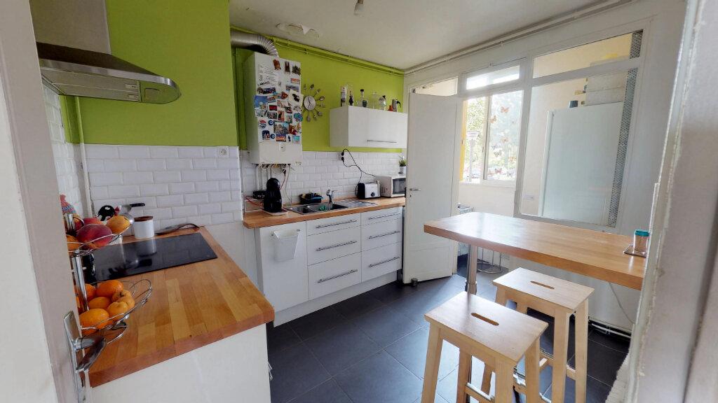 Appartement à vendre 4 68m2 à Le Plessis-Trévise vignette-2