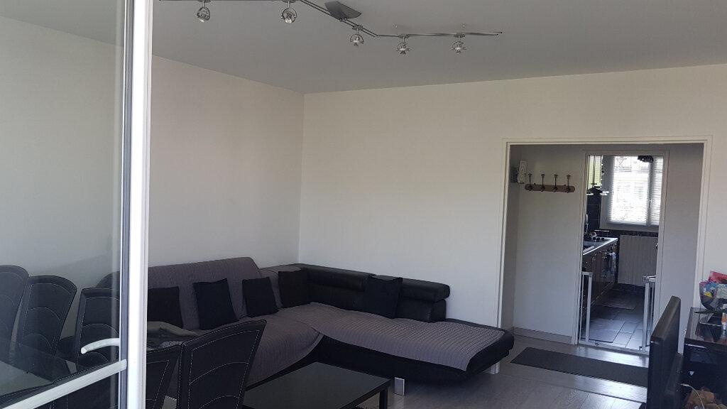 Appartement à vendre 3 63.31m2 à Le Plessis-Trévise vignette-2