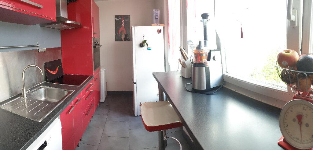 Appartement à louer 4 67.59m2 à Le Plessis-Trévise vignette-1
