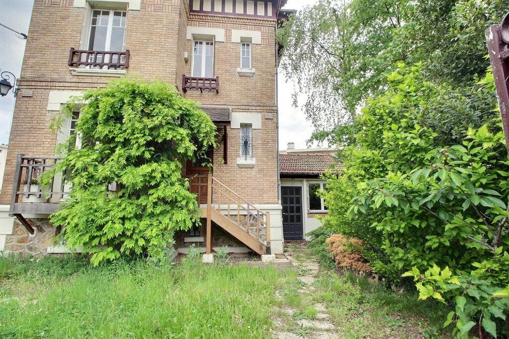 Maison à vendre 7 192m2 à Fontenay-sous-Bois vignette-1