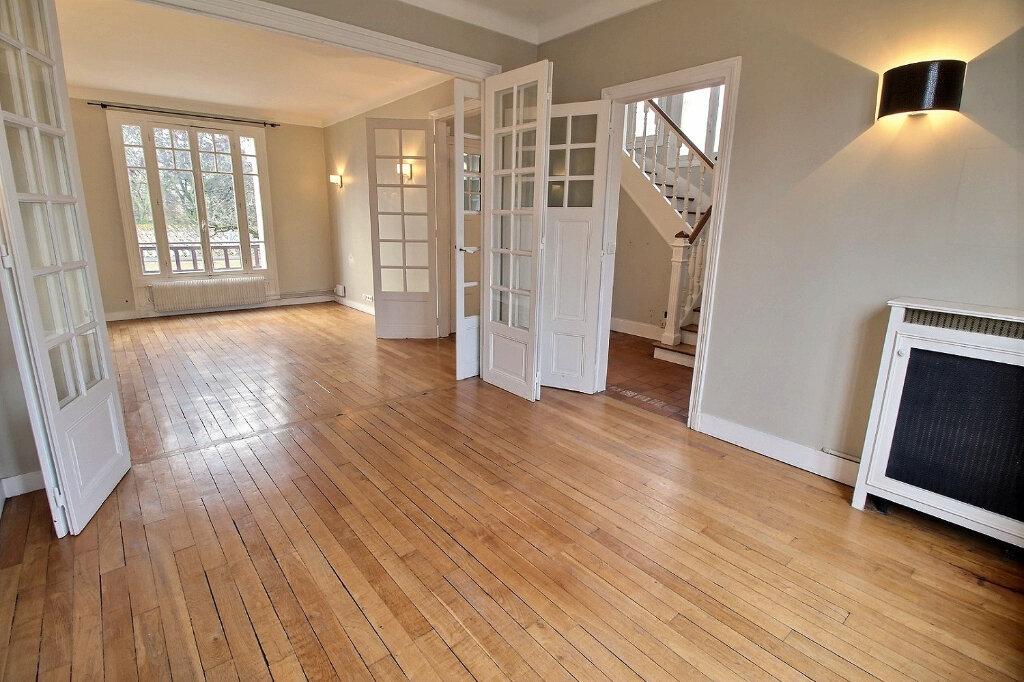 Maison à vendre 7 192m2 à Fontenay-sous-Bois vignette-4