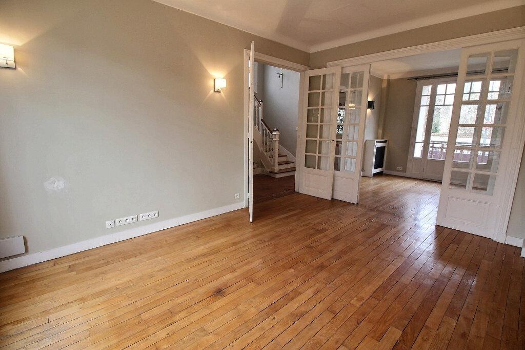 Maison à vendre 7 192m2 à Fontenay-sous-Bois vignette-5