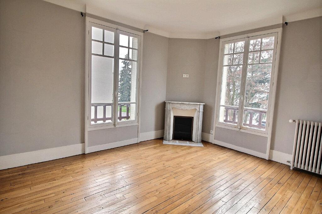 Maison à vendre 7 192m2 à Fontenay-sous-Bois vignette-9