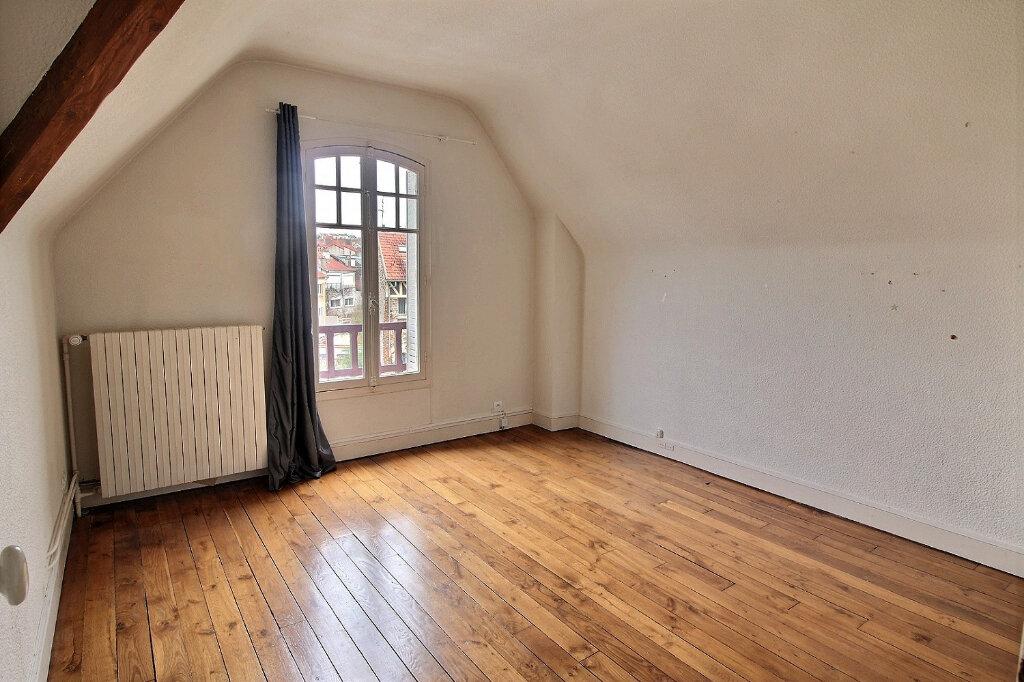 Maison à vendre 7 192m2 à Fontenay-sous-Bois vignette-11