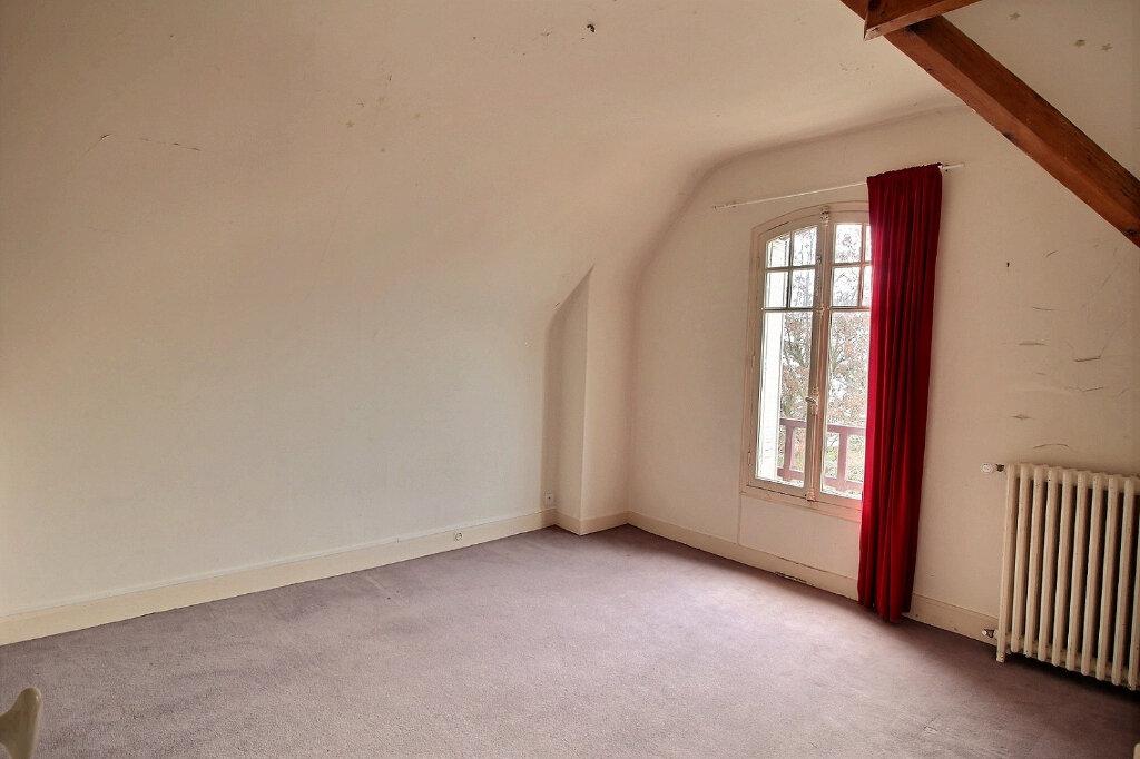 Maison à vendre 7 192m2 à Fontenay-sous-Bois vignette-12