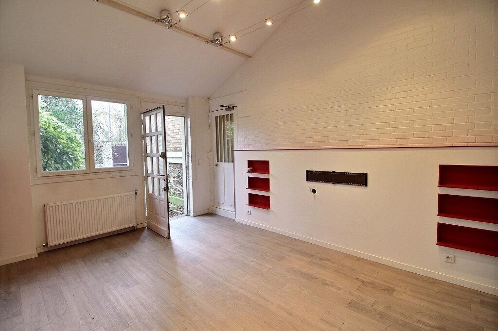 Maison à vendre 7 192m2 à Fontenay-sous-Bois vignette-13