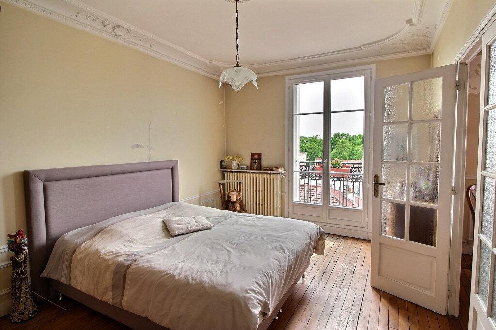 Appartement à vendre 3 68.51m2 à Fontenay-sous-Bois vignette-2