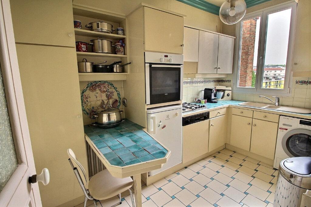 Appartement à vendre 3 68.51m2 à Fontenay-sous-Bois vignette-4