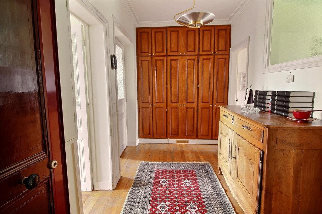 Appartement à vendre 3 68.51m2 à Fontenay-sous-Bois vignette-6