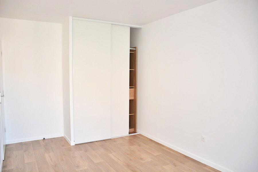 Appartement à louer 3 62.1m2 à Épône vignette-9