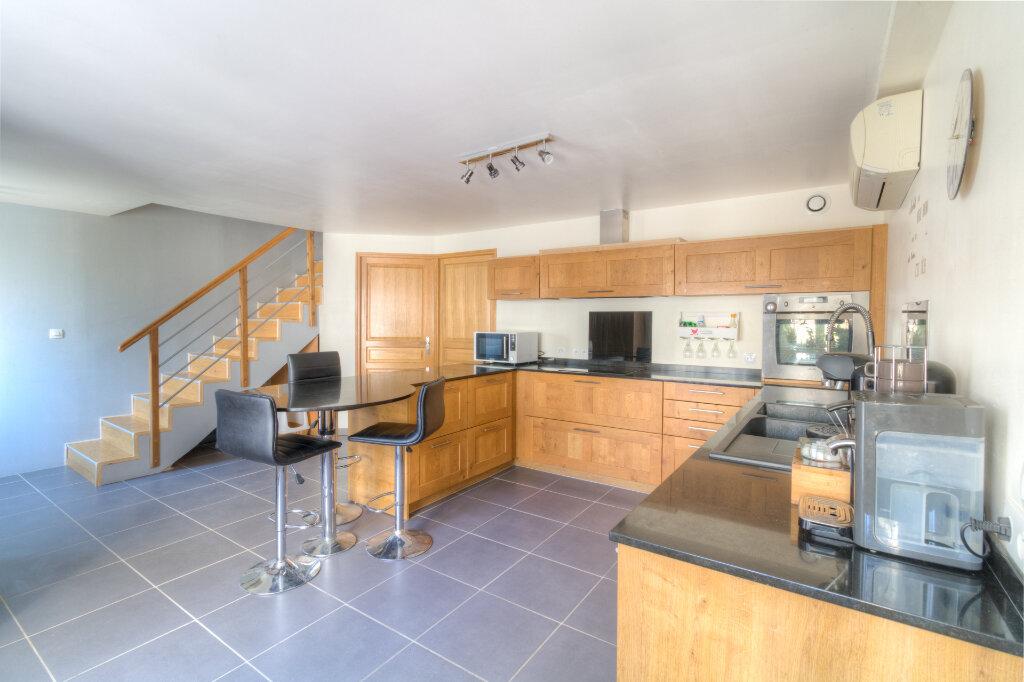 Maison à vendre 4 140m2 à Mézières-sur-Seine vignette-3