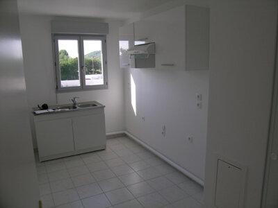 Appartement à louer 3 64.09m2 à Mantes-la-Jolie vignette-4