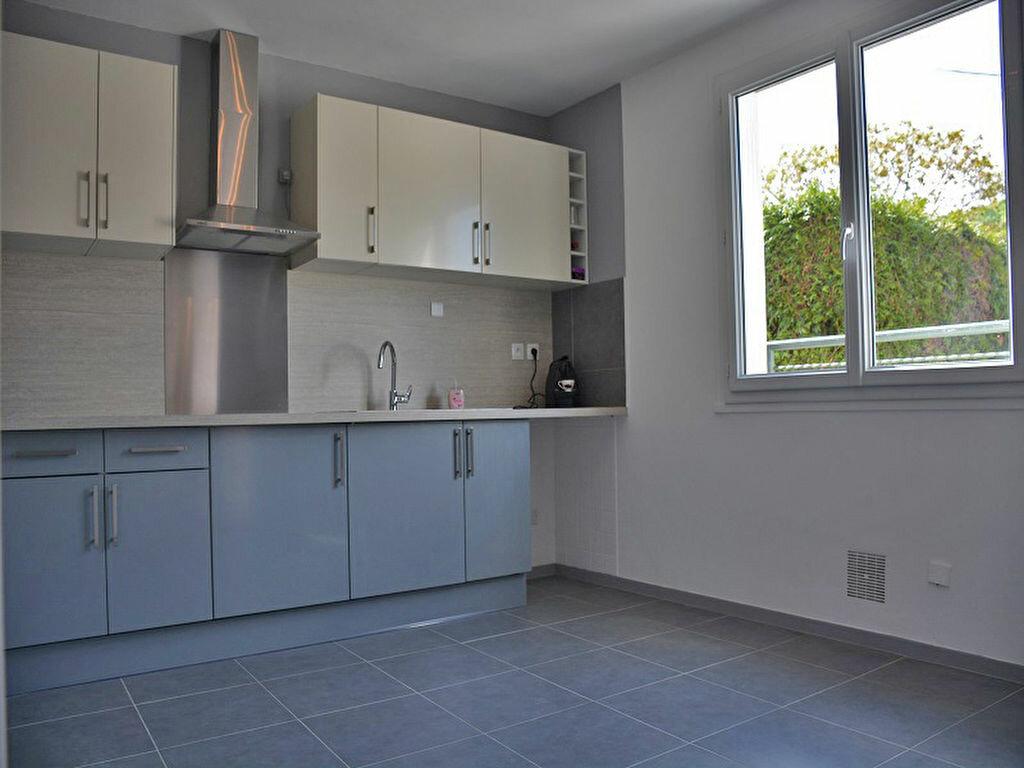 Maison à louer 3 80m2 à Mézières-sur-Seine vignette-2