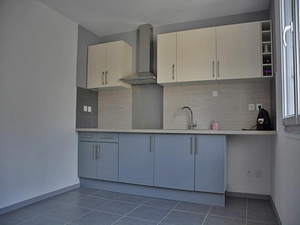 Maison à louer 3 80m2 à Mézières-sur-Seine vignette-3