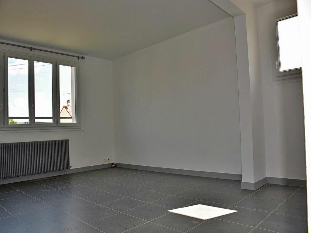 Maison à louer 3 80m2 à Mézières-sur-Seine vignette-4
