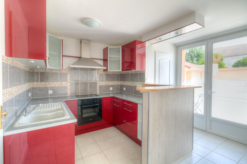 Appartement à louer 2 41.33m2 à Mézières-sur-Seine vignette-1