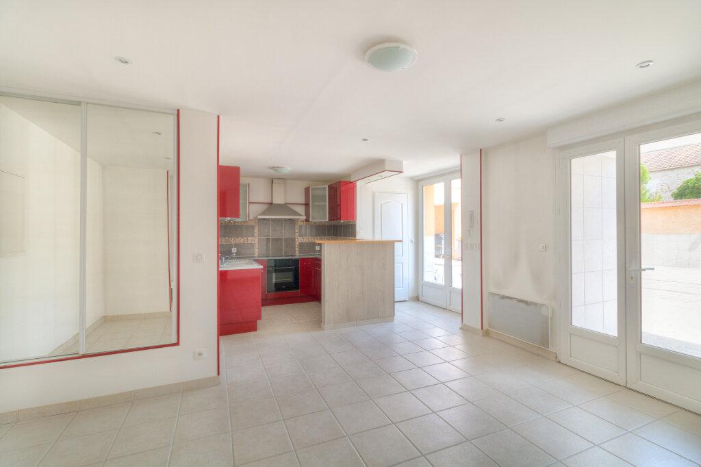 Appartement à louer 2 41.33m2 à Mézières-sur-Seine vignette-3