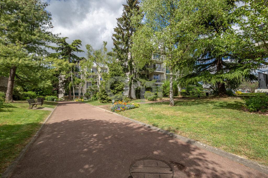 Appartement à vendre 5 88m2 à Chennevières-sur-Marne vignette-2
