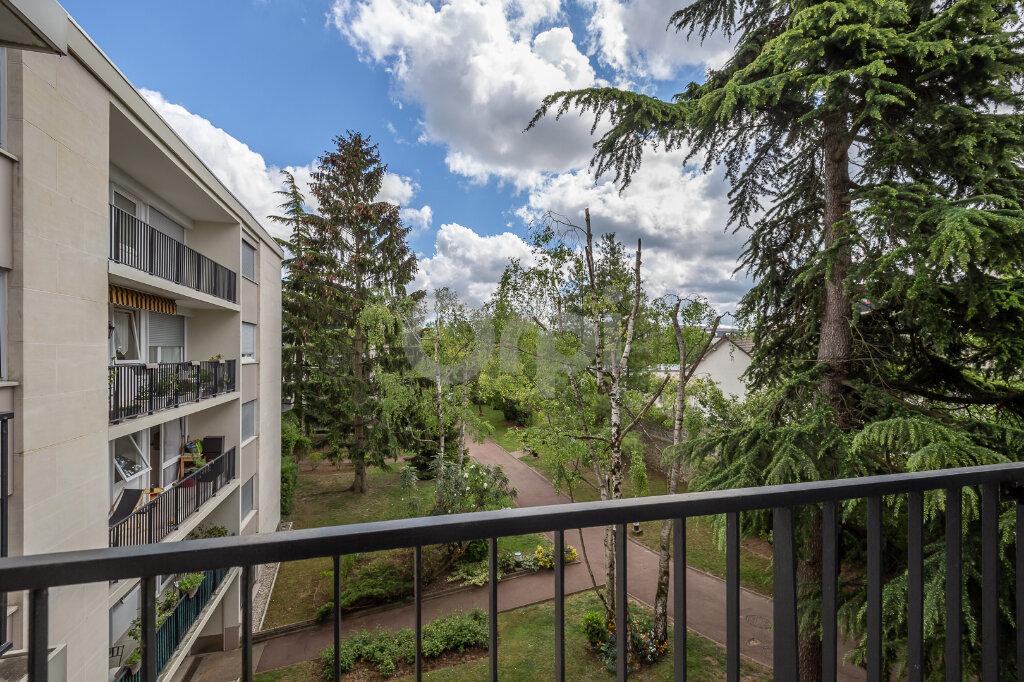 Appartement à vendre 5 88m2 à Chennevières-sur-Marne vignette-4