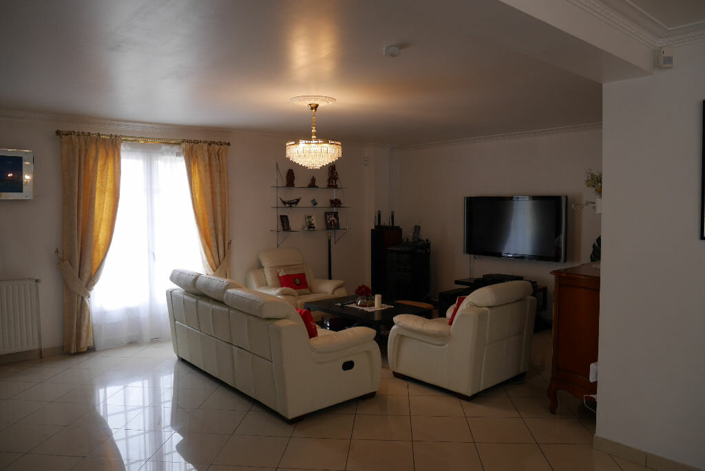 Maison à vendre 7 147m2 à Saint-Thibault-des-Vignes vignette-2