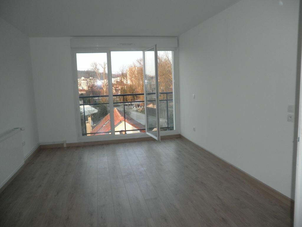 Appartement à louer 2 47.79m2 à Chelles vignette-1