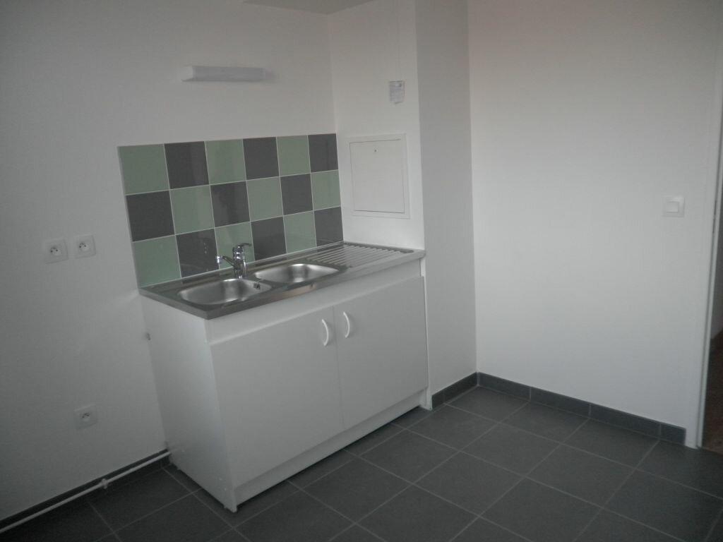 Appartement à louer 2 47.79m2 à Chelles vignette-3