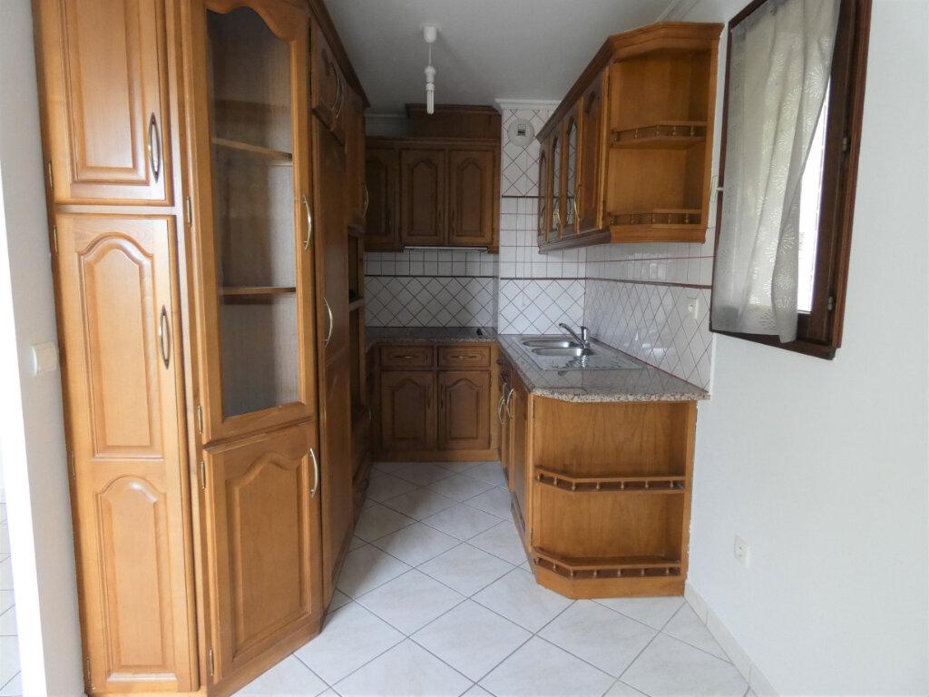 Appartement à louer 2 49m2 à Gagny vignette-2