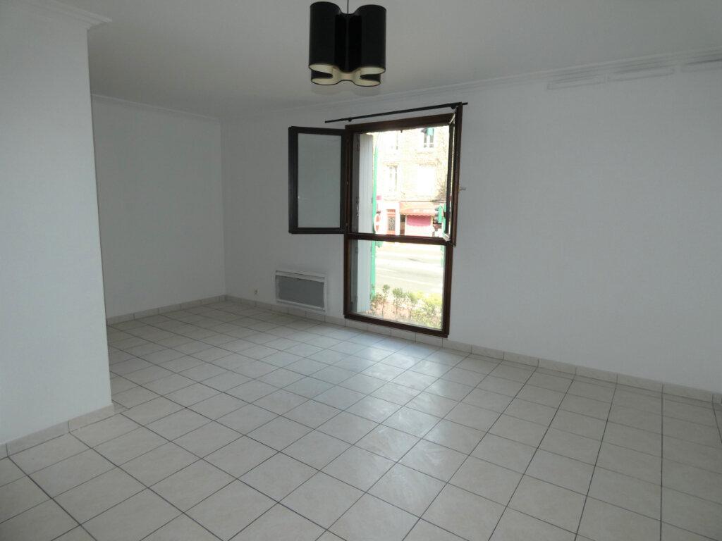 Appartement à louer 2 49m2 à Gagny vignette-3