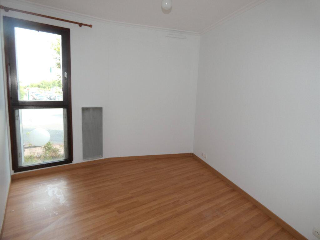 Appartement à louer 2 49m2 à Gagny vignette-4