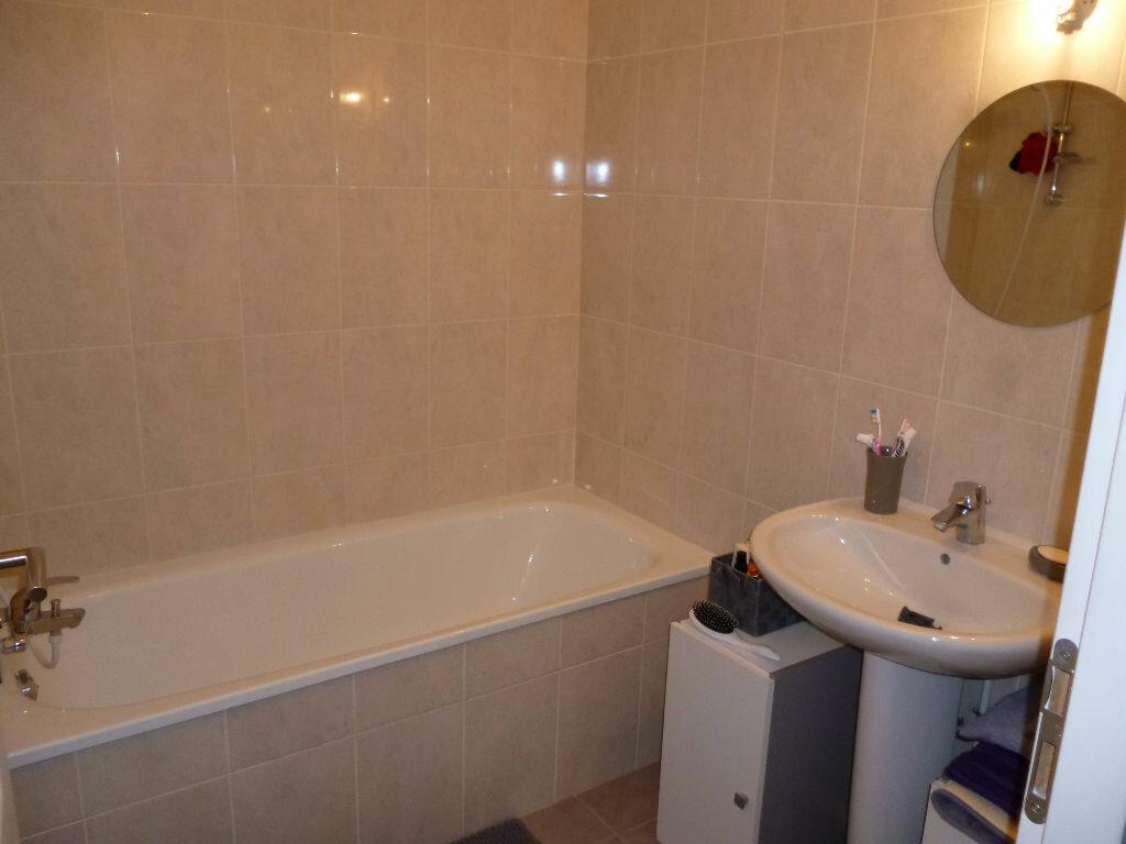 Appartement à louer 2 40.32m2 à Gagny vignette-6