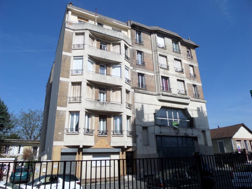 Appartement à louer 2 31m2 à Gagny vignette-1