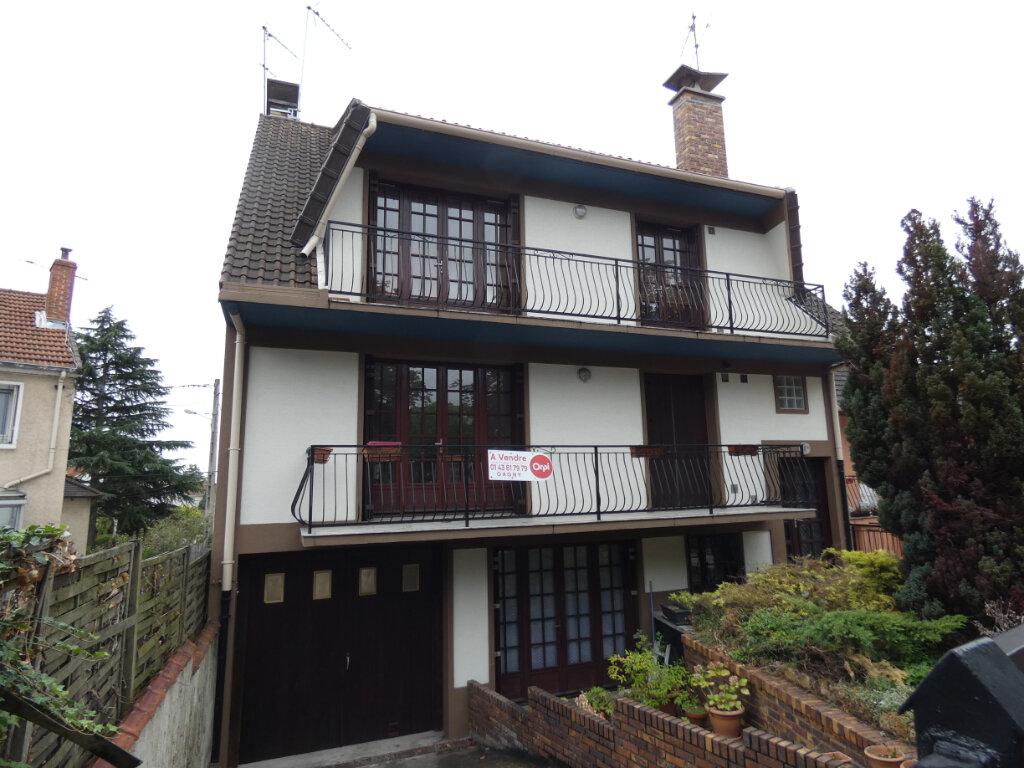 Appartement à vendre 3 71m2 à Gagny vignette-1