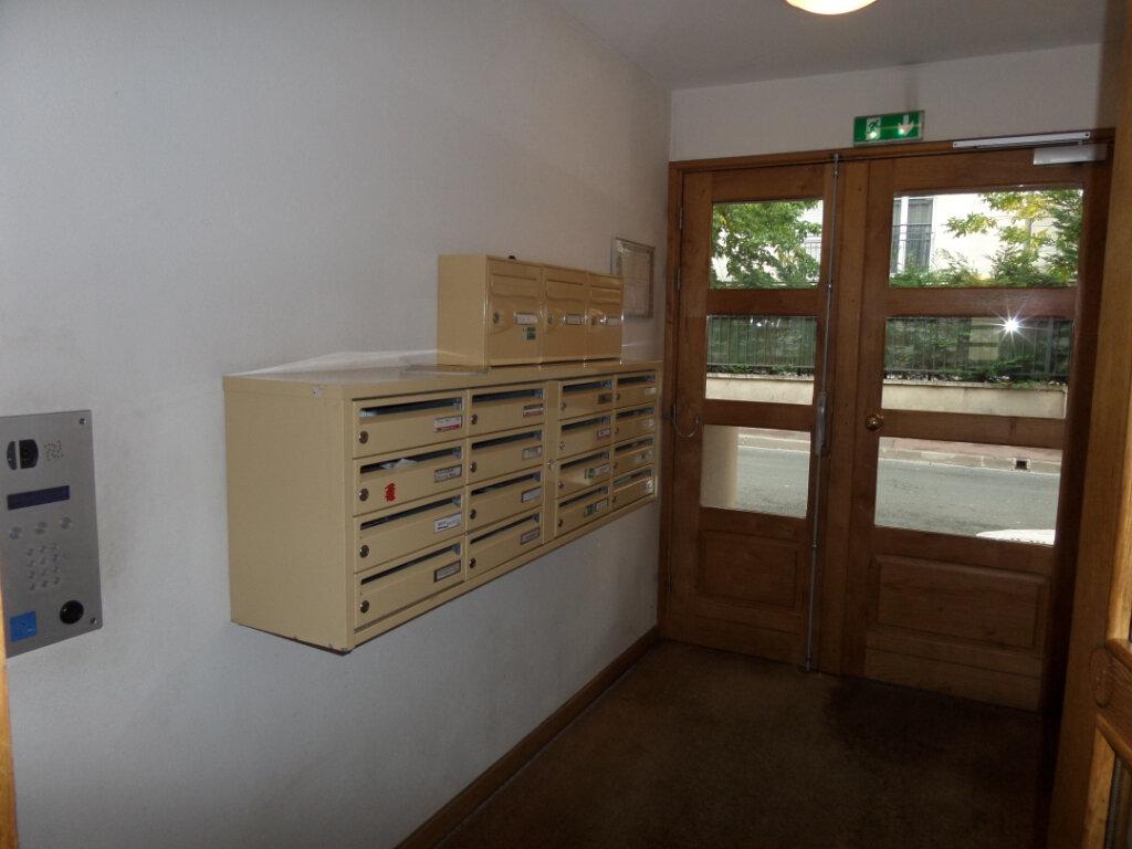 Appartement à louer 2 49.07m2 à Gagny vignette-2