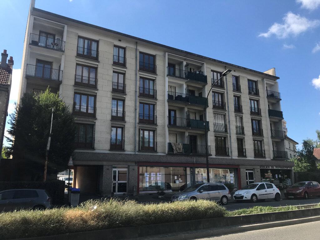 Appartement à louer 3 56.65m2 à Livry-Gargan vignette-1
