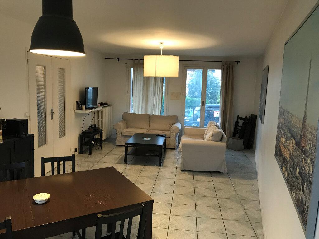 Appartement à louer 1 10m2 à Livry-Gargan vignette-2