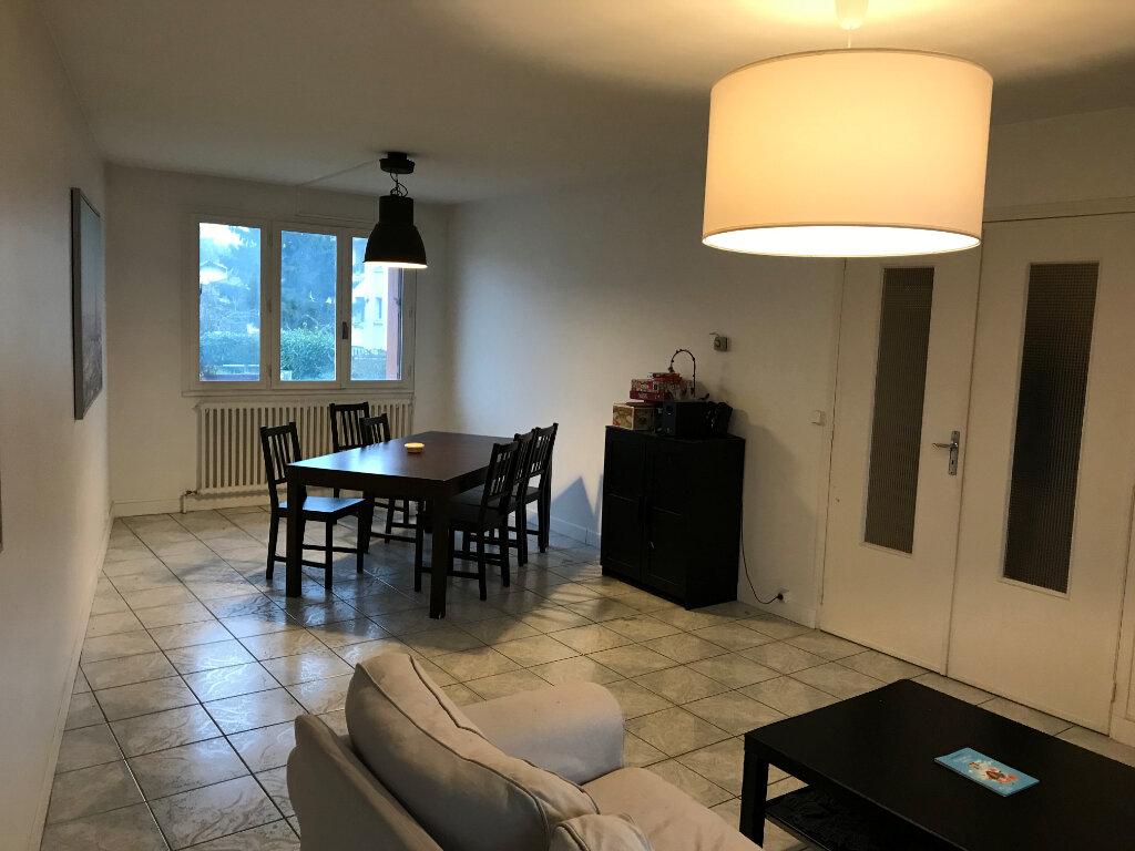 Appartement à louer 1 10m2 à Livry-Gargan vignette-3