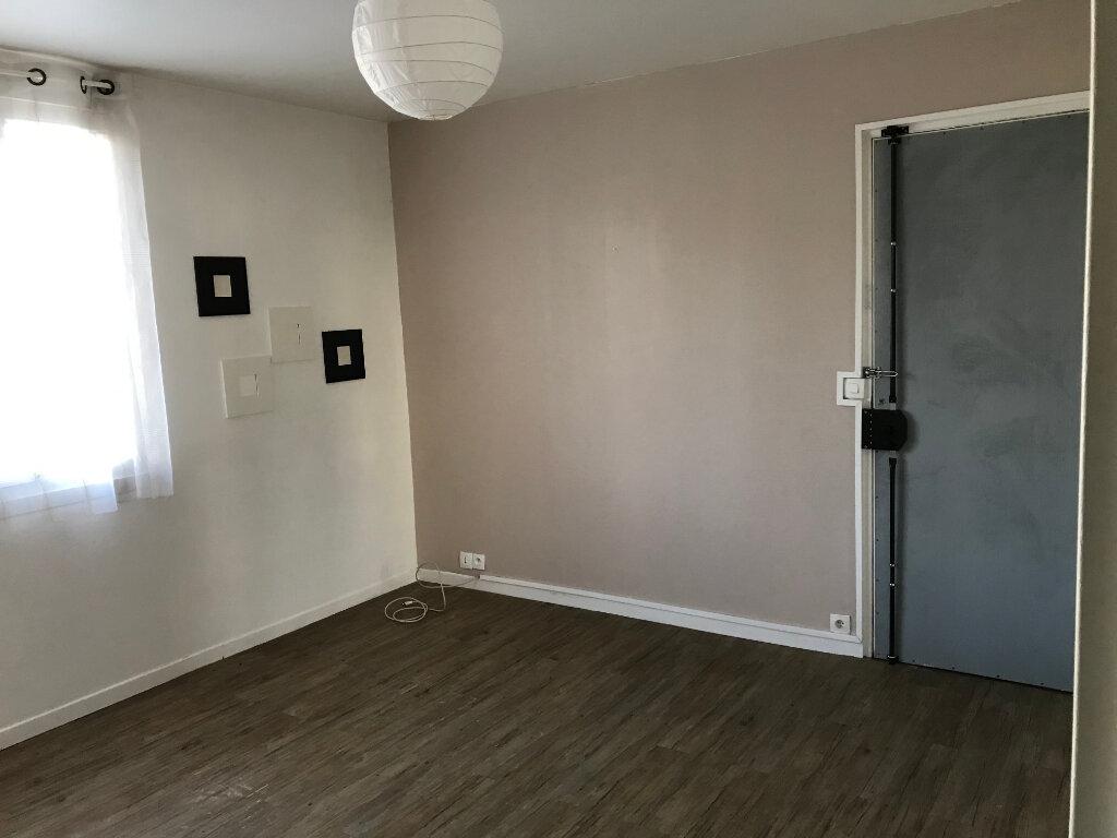 Appartement à louer 1 21.72m2 à Villemomble vignette-1