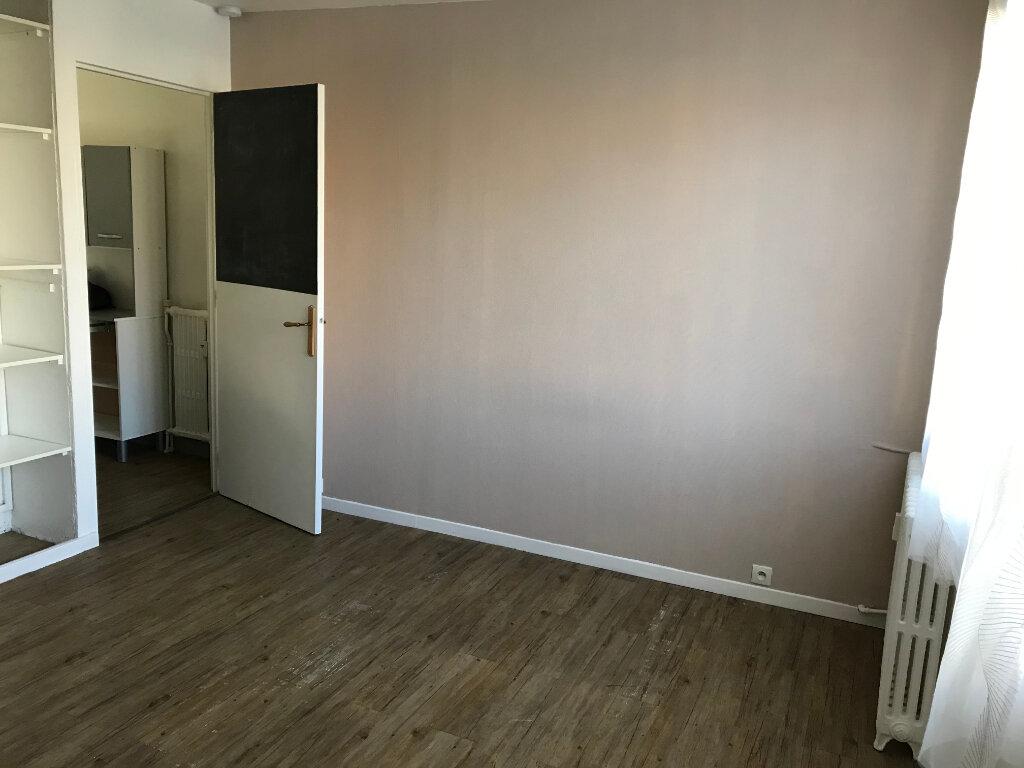 Appartement à louer 1 21.72m2 à Villemomble vignette-3
