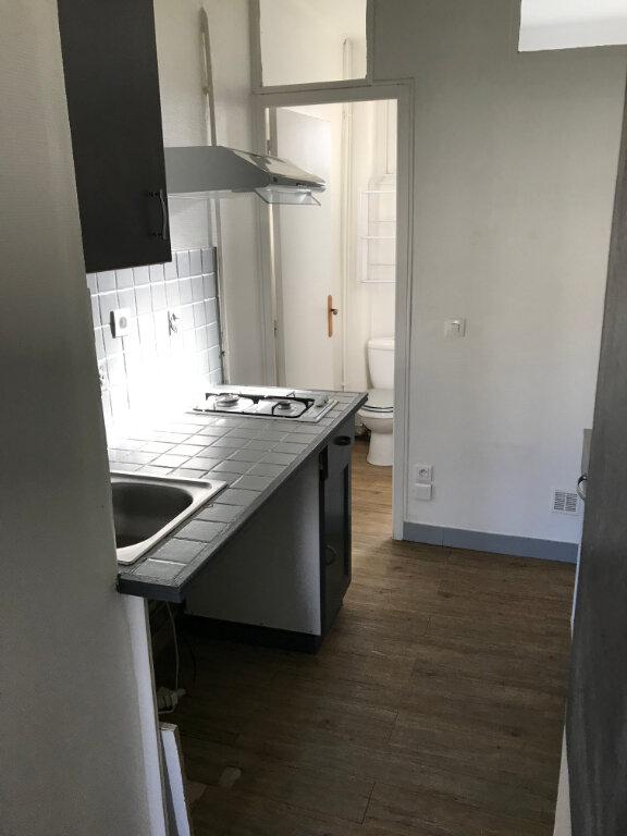 Appartement à louer 1 21.72m2 à Villemomble vignette-4