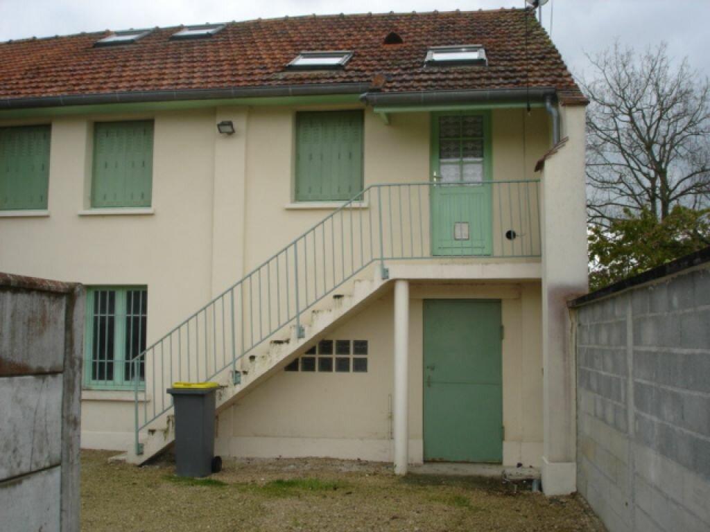 Maison à louer 3 53m2 à Milly-la-Forêt vignette-1
