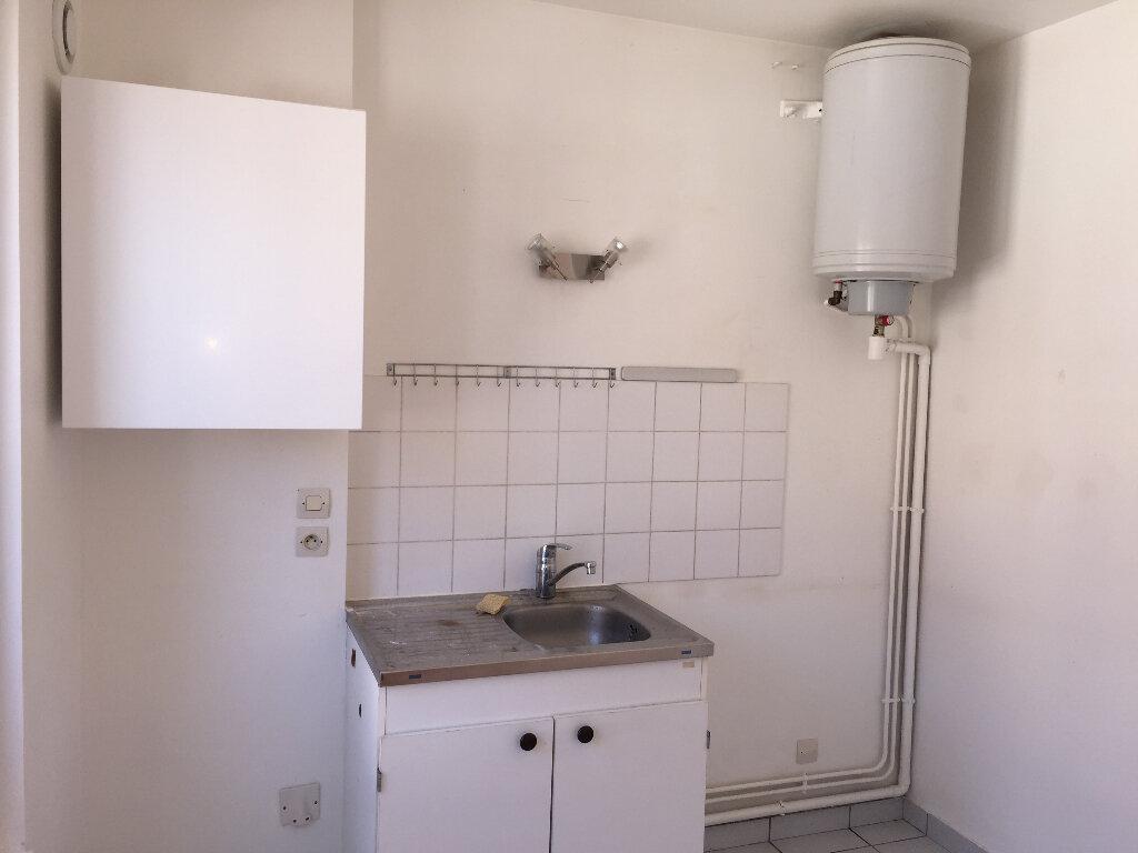 Appartement à louer 2 37.17m2 à Milly-la-Forêt vignette-5